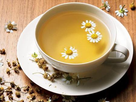 The-Many-Benefits-of-Chamomile-Tea.jpg